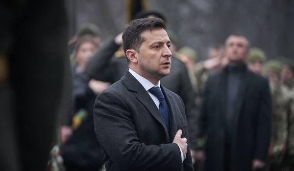 «Неймовірна відвага і хоробрість»: Зеленський сьогодні вшанував пам'ять героїв Крут