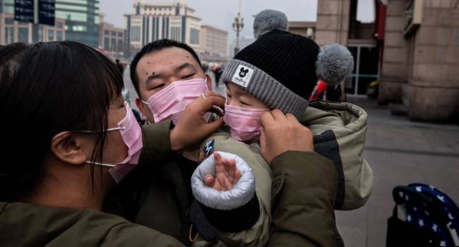 «Ездила машина с распыляющей пушкой»: туристка из России рассказала, что происходит в Китае