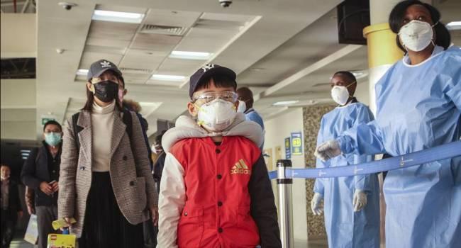 «Маска вас точно не спасет»: медики заявили о бесполезности средств защиты против коронавируса