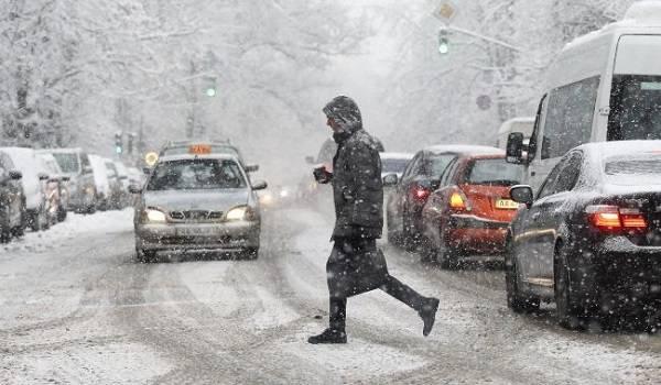 Штормовой ветер и метель: украинцев предупредили о непогоде 31 января