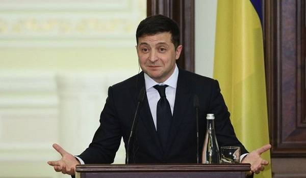 Зеленский призвал Помпео назначить нового спецпредставителя США по Украине