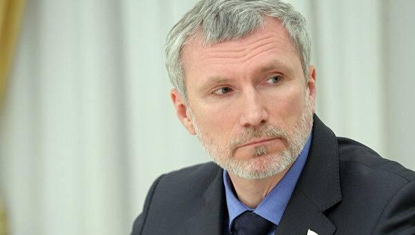 «Там против вас надо выходить с автоматами»: одиозный российский депутат разразился угрозами в адрес Украины