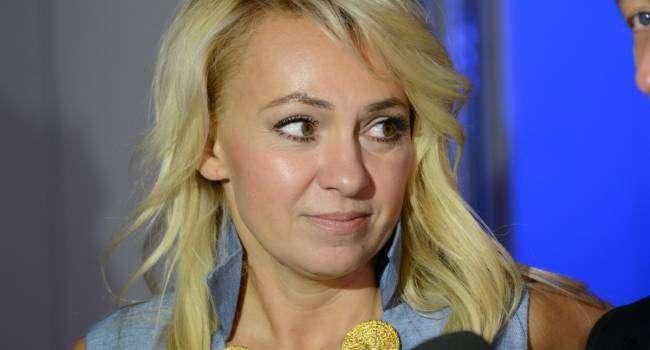 Беременна? 45-летняя Яна Рудковская вызвала слухи о своем интересном положении