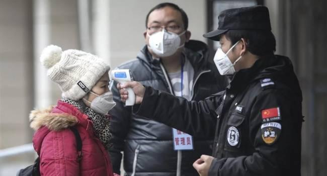 Комаровський: масові вимірювання температур в аеропортах – це показуха, яка не може вплинути на поширення вірусу