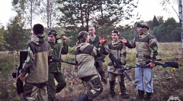 «Вся суть «русского мира»»: Російські снайпери роблять «живий щит» з жінок та дітей
