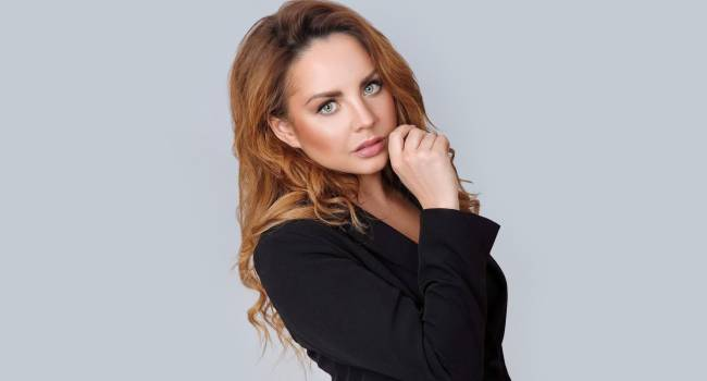 «В связи с обострением проблем со здоровьем»: знаменитая российская певица сообщила о своем уходе со сцены