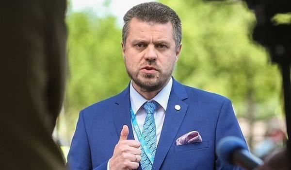 Власти Эстонии обвинили Москву в фальсификации истории