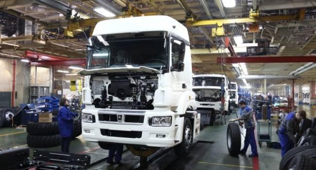 «Китай наносит сокрушительный удар по РФ»: Производство «КамАЗов», и множество других компаний на грани краха
