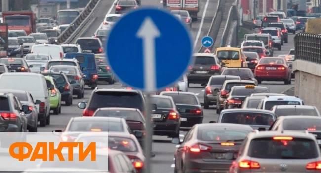 Доник: прежде, чем рассказывать про Пороха, который экономикой не занимался, посмотрите на трафик на дорогах во время «зубожиння»
