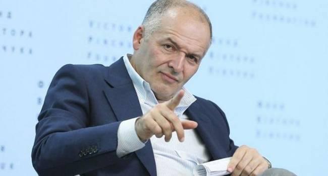 Политолог: большой бизнес уже «валит» из Украины, продажа Пинчуком своего бизнеса – лишь первая ласточка