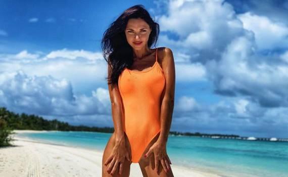 «Амазонка!» Вика с «НеАнгелов» возбудила сеть фотографиями в купальнике