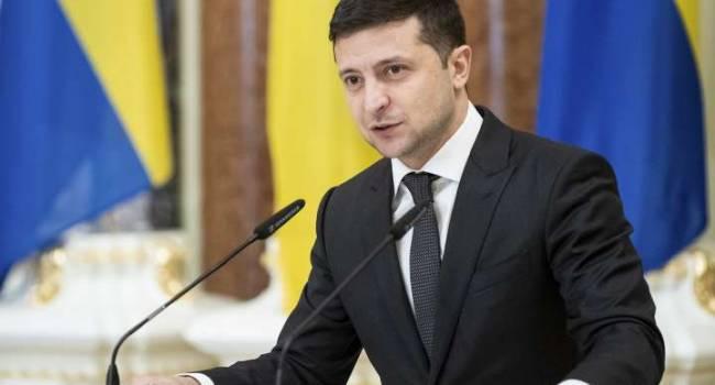 Рейтинг Зеленского не опустится ниже: политолог рассказал, в чем секрет
