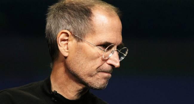 «Мог бы жить и жить»: стало известно, как Стив Джобс не захотел лечить рак