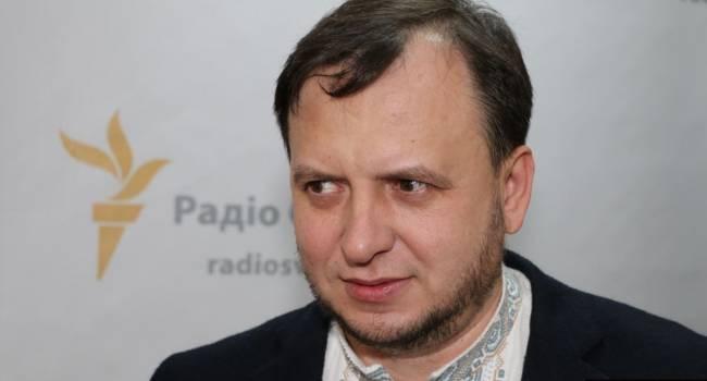 «Нельзя идти на конфликт с волонтерами и с политической оппозицией»: Политолог указал на серьезную ошибку, допущенную командой Зеленского