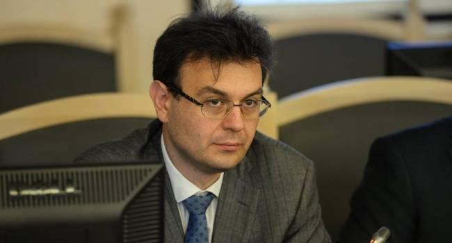 «Если в работе правительства и есть какие-то достижения, то они незначительны»: Нардеп от «Слуги народа» раскритиковал Кабмин Гончарука