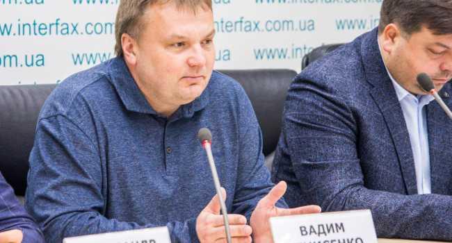 «Зеленский делает все, чтобы самому стать громоотводом вместо Гончарука»: Денисенко указал на ошибку пиарщиков президента