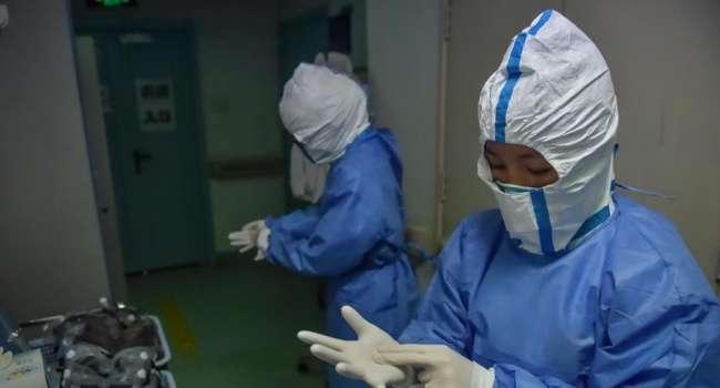 В Китае скончался врач, первым сообщивший о коронавирусе