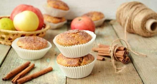 «Пальчики оближешь»: Готовим кексы с корицей за 30 минут: простой рецепт