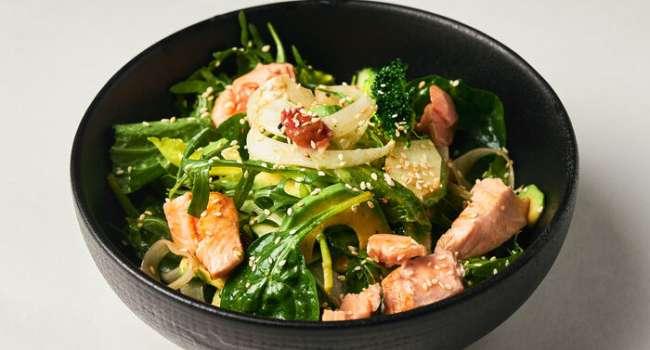 Самые полезные блюда: диетический салат с брокколи и лососем
