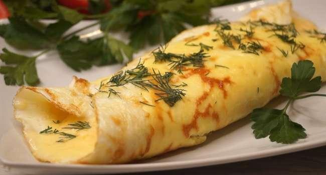 Лучшие завтраки: рецепт омлета с оригинальной начинкой