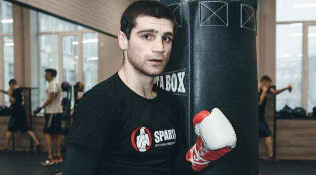 Украинский боксер «хорошо всыпал» по зубам россиянину