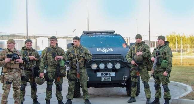 «Круто, прямо как в Штатах»: Спецназ КОРД провел спецоперацию по задержанию преступников в Мукачево