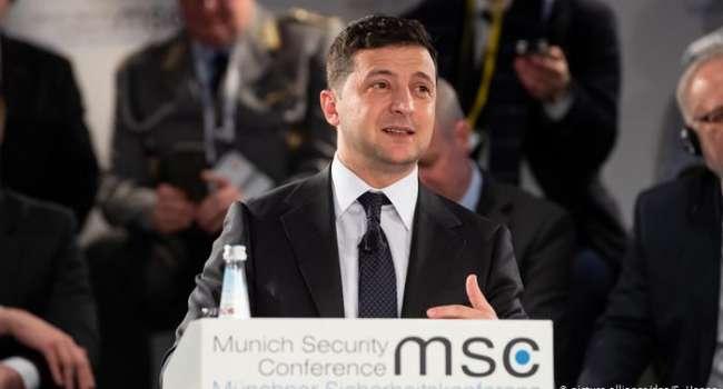 Зеленский озвучил свое видение завершения конфликта и выборов на Донбассе