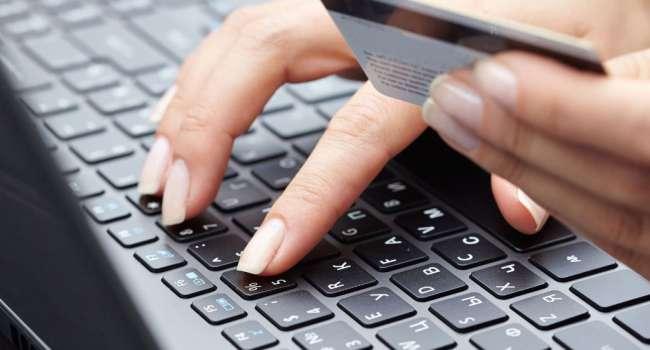 В прошлом году мошенники «увели» с банковских карт украинцев около 349 миллионов гривен