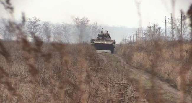 Это спланированная операция: боевики пошли в наступление сразу на нескольких участках, ВСУ несут потери