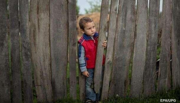 В Украине детей не будут принимать в детские дома: подробности инициативы