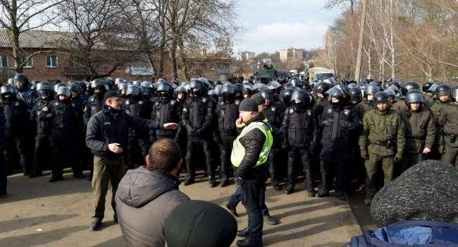 «Это просто шок! Ненависть съедает людей!»: Анатолий Штефан прокомментировал бунт в Новых Санжарах