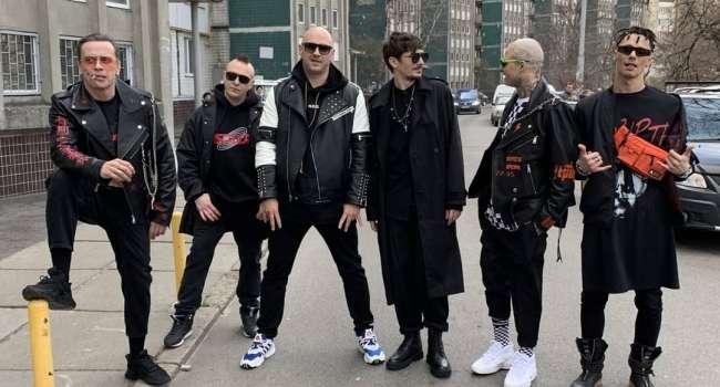 «Качает песня»: группа «Мозги» представила новый клип на песню «Девчонка»