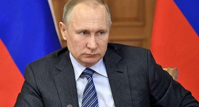 «Это был нож в сердце»: Путин пожаловался на изгнание РПЦ из Украины