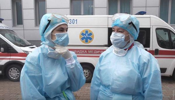 Врач-онколог из Винницы заразился коронавирусом: из диспансера не выпускают больных раком