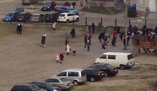 Церковные службы без масок и прогулки в парке: киевляне тотально игнорируют карантин