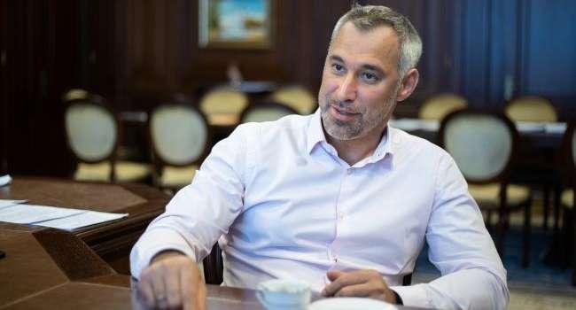 Эксперт: отставка Рябошапки связана с тем, что уже на весну власть готовит массовые посадки оппозиции, в том числе Порошенко