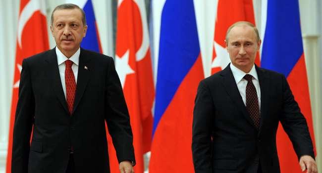 «Не контролирует ноги, кусает губу, теребит руки, и прячет глаза. Так вот, кого он боится…»: Как вел себя Путин при встрече с Эрдоганом