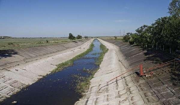 «Мы не можем»: Шмыгаль оскандалился заявлением о подаче воды в Крым
