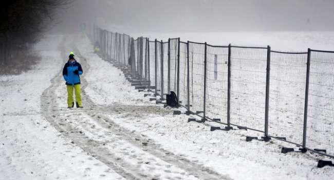 На фоне коронавируса: в сети показали, как биатлонисты соревнуются при пустых трибунах