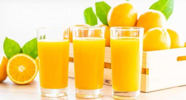 Врачи рассказали, почему следует пить апельсиновый сок ежедневно