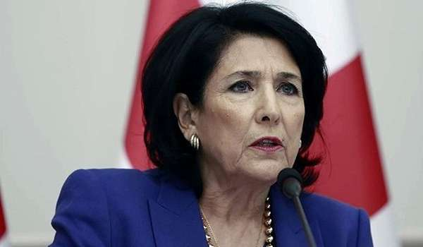 Президент Грузии отказалась от визита в Украину из-за коронавируса