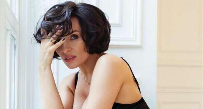 «Без косметики - огонь»: Надежда Мейхер сообщила о переносе своих концертов из-за коронавируса, а также показала лицо без макияжа