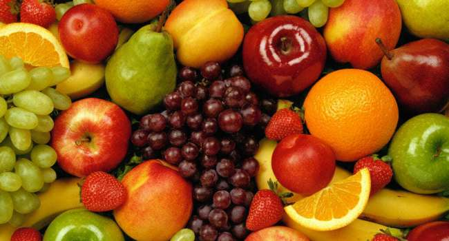 Стало известно, почему фрукты нельзя есть вечером