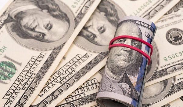 Нацбанк повысил курс доллара до максимальной отметки за год