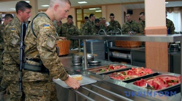 «Голодный солдат – не солдат!»: Армия Украины может остаться без продовольствия – СМИ