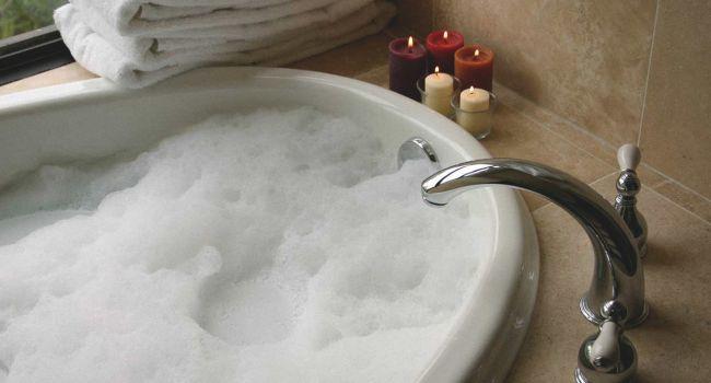 Против заболеваний сердца: ученые назвали главную пользу горячей ванны