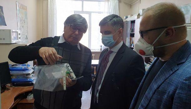 Пристайко показал украинские тесты на коронавирус