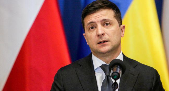 Журналист: 7 лет спустя после бегства Януковича новый украинский президент стоит на той же «растяжке»