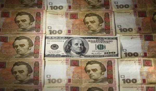 Банкиры констатируют падение спроса на доллары