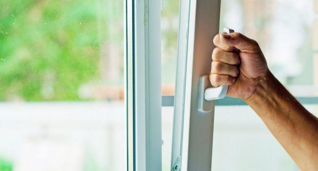 Проветривайте комнату 5 раз в день, чтобы не заразиться вирусами